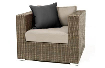 Liana Wicker Club style Chair